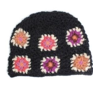 NWT French Knot Sundance Catalog Crochet Hat Black